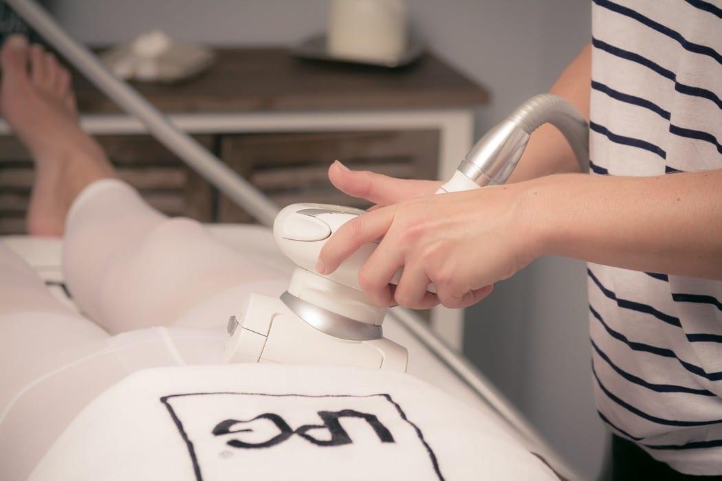 cellu m6 lipomodelage lpg poitiers la baignoire. Black Bedroom Furniture Sets. Home Design Ideas
